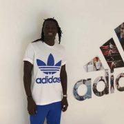 Bafétimbi Gomis'in Sponsoru adidas Football Türkiye