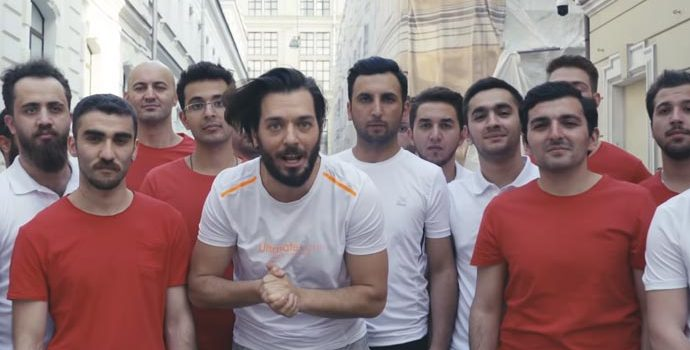 Hayrettin'den Kinetix Sponsorluğunda Rusya'da Sokak Şakası